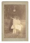 Елизавета Августовна Сурикова с дочерями, Ольгой и Еленой. 1886 (?) г.
